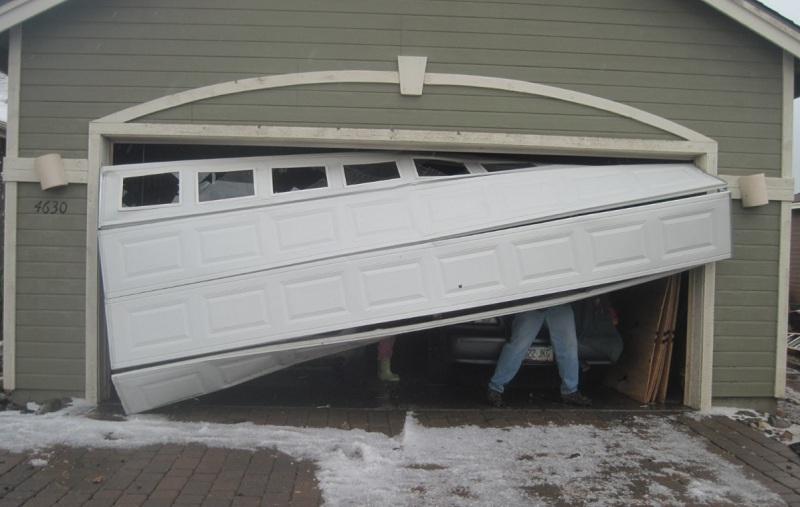 4 Signs You Need a New Garage Door